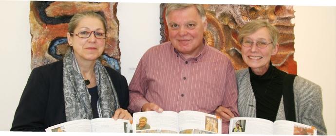 Krystyna Miller Gawrzynska, Walter Maringer und ich vor meinen Werken im MZM Mistelbach